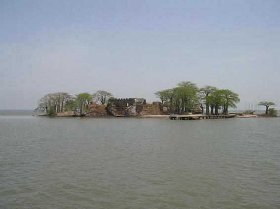 クンタ・キンテ島